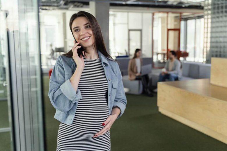 kiedy poinformować pracodawcę o ciąży