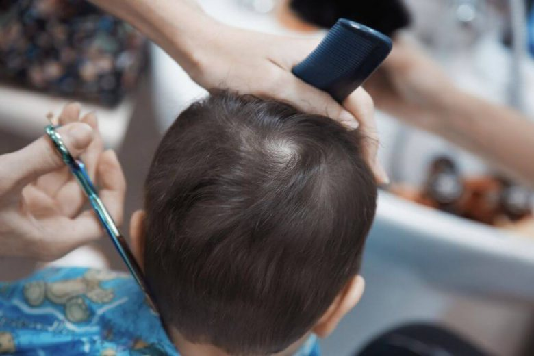 jak obciąć włosy dziecku